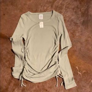 Waffle ruched knit tee in size S.